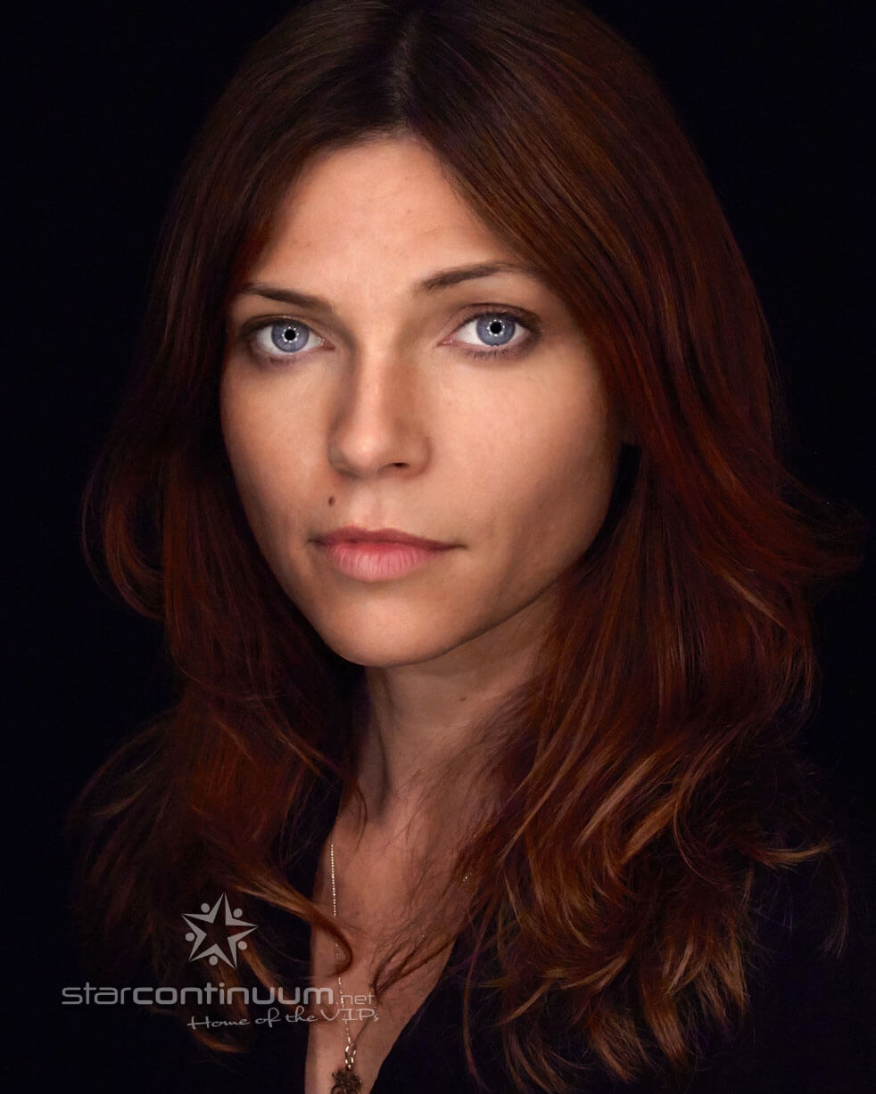 starcontinuum.net | Faces | Nicole de Boer