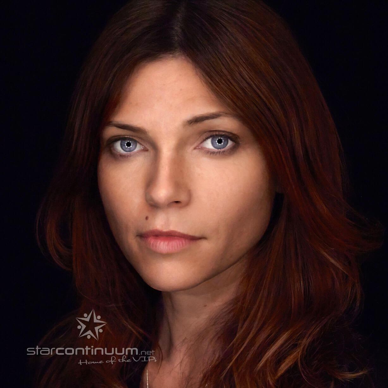 starcontinuum.net |Faces |Nicole de Boer